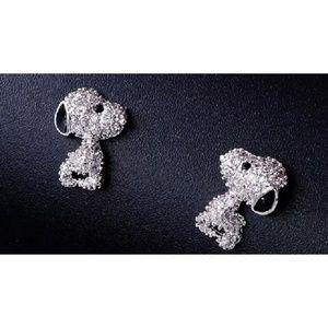 Cubic zirconia snoopy stud earrings